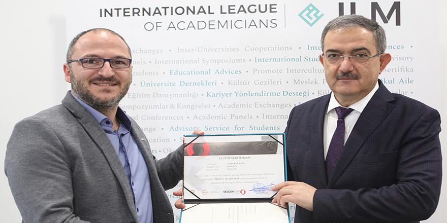 Selçuk'ta, 'Uzaktan Eğitim Medya Akademisi' programı sertifika töreni